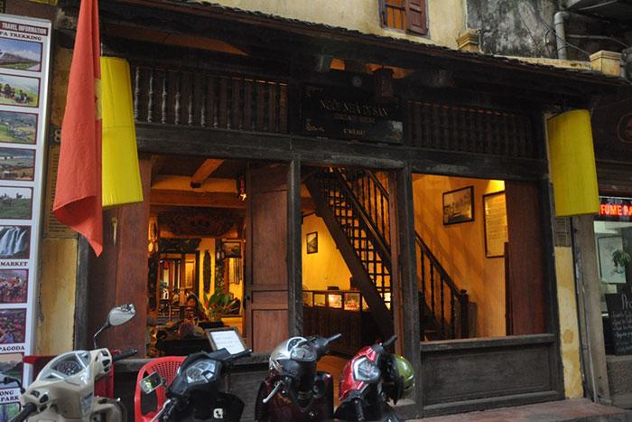 Exterior de la antigua casa 87 ma may en Hanoi