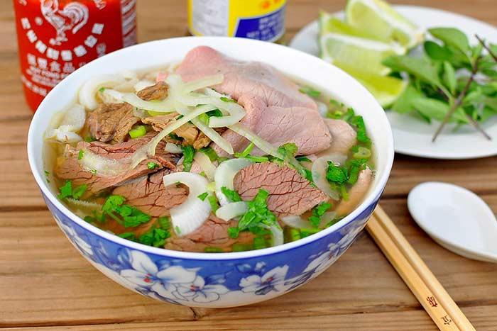 La famosa sopa pho de hanoi