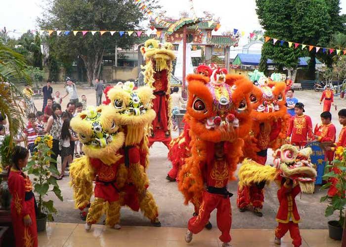 Festival del Medio Otoño danza del unicornio
