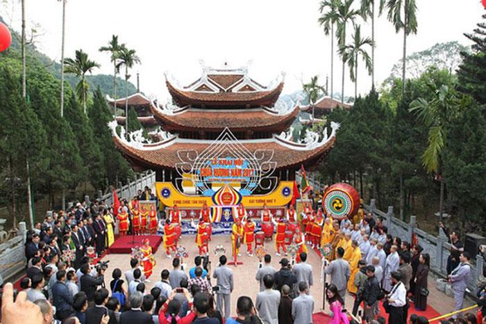 Festival de la pagoda del Perfume