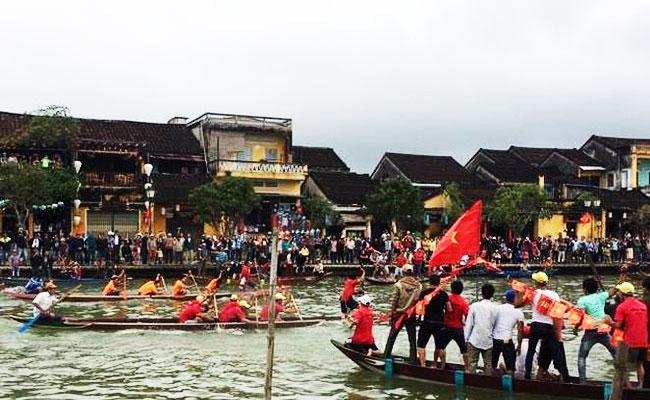 Fiesta tradicional en el pueblo de carpinteria KIm Bong