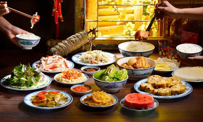 Las costumbres tradicionales del Tet en Vietnam comida en el sur