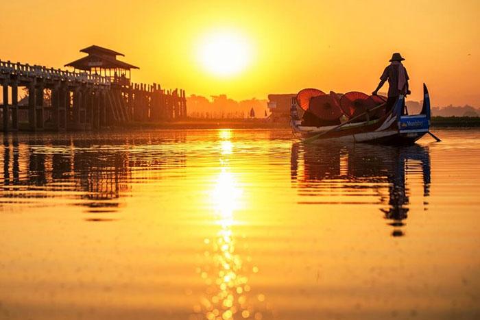 Puesta del sol en Myanmar