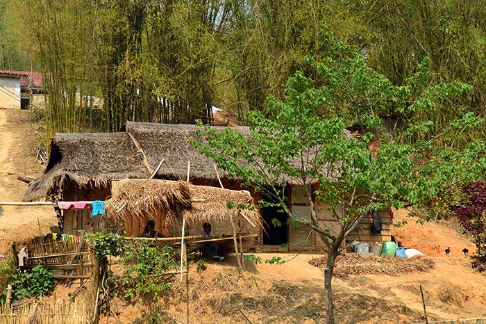 Aldea de las minorias etnicas Xieng Khouang