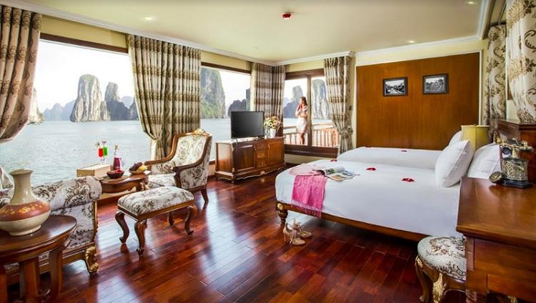 Habitacion de lujo en un crucero en la Bahia de Halong