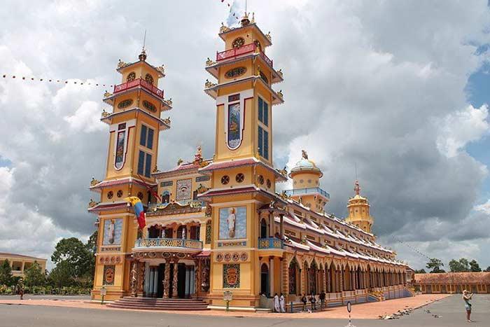 Templo del caodaismo en Ho Chi Minh Vietnam
