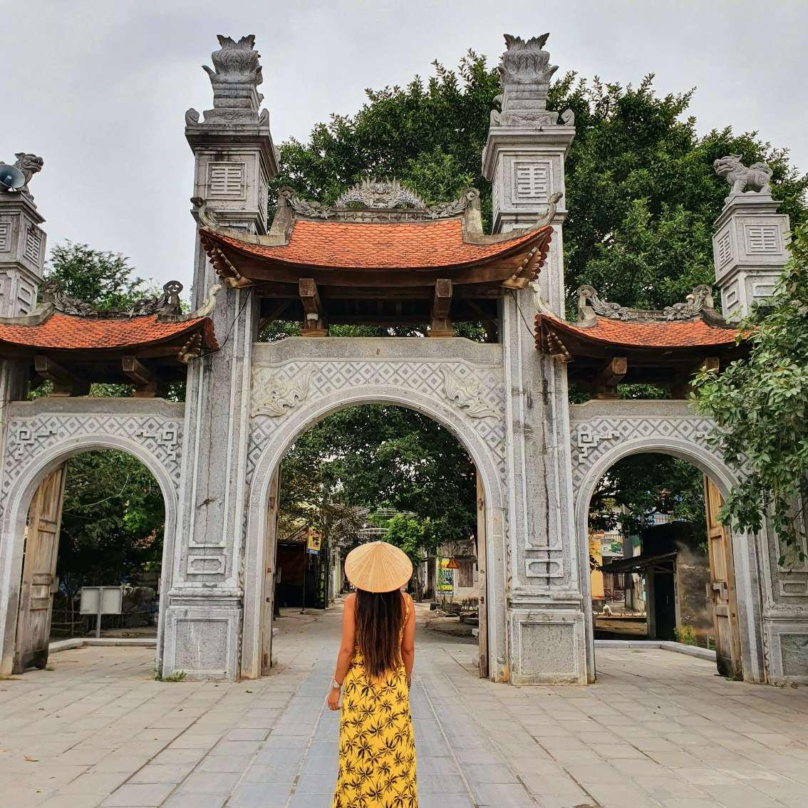 Visita a Hoa Lu antigua capital de Vietnam