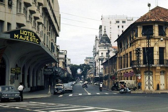 Hotel majestic en la calle dong khoi