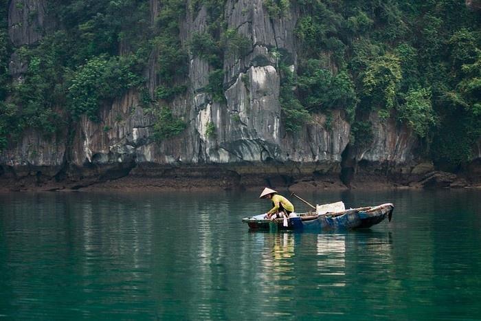 Aldea de pescadores Viet Hai en Cat Ba Vietnam