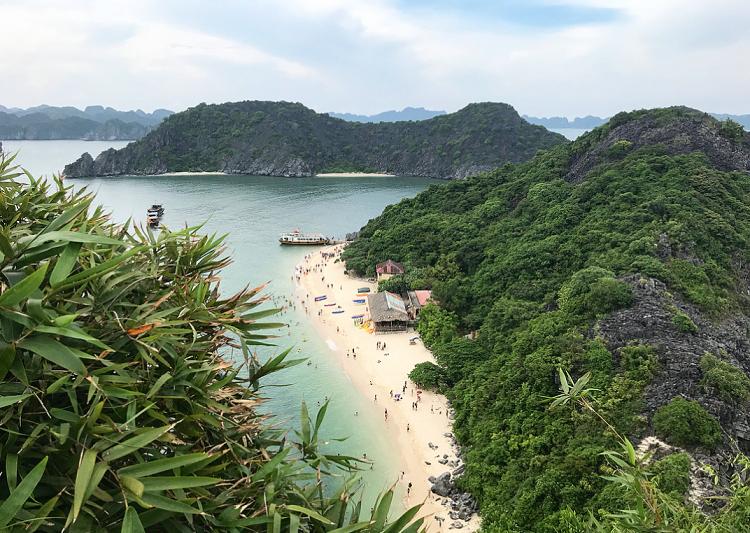 Isla de los monos en la bahia de Halong