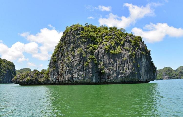 Isla de la tortuga en la Bahia de Lan Ha