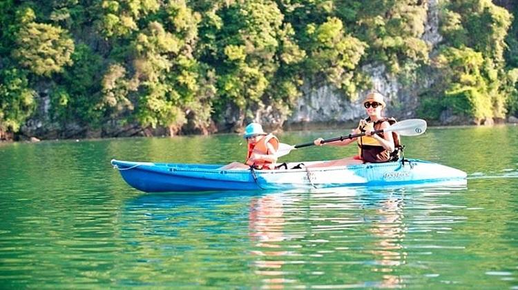 Kayak en la playa de Ong Lang Phu Quoc