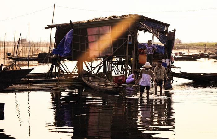 Laguna de pescadores en la ciudad de Hue