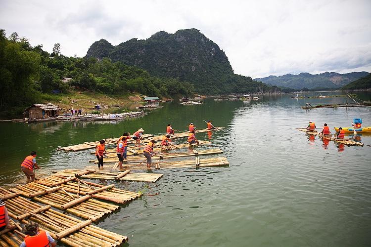 Balsas de Mai Chua Hoa Binh Vietnam