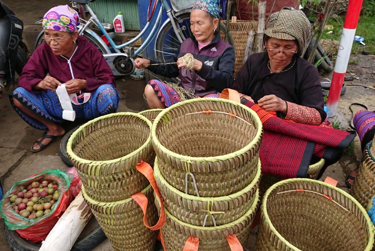 Mercado de Pa Co en Mai Chau Vietnam