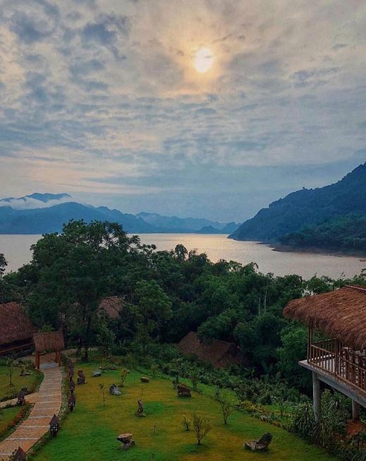 Atardecer en Mai Chau Ho Binh Vietnam