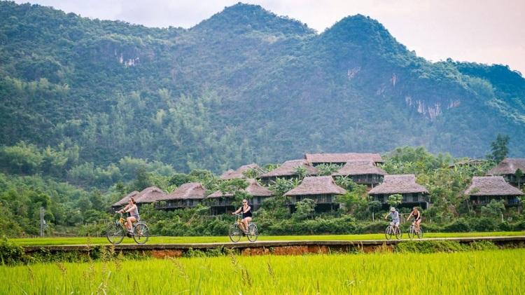 Paseo en bicicleta en Mai Chau Hoa Binh Vietnam
