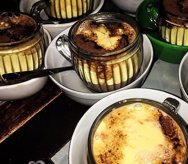 Cafe con huevo y cacao en Hanoi Vietnam