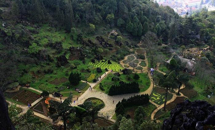 Vista desde el aire del Monte Ham Rong en Sapa Vietnam
