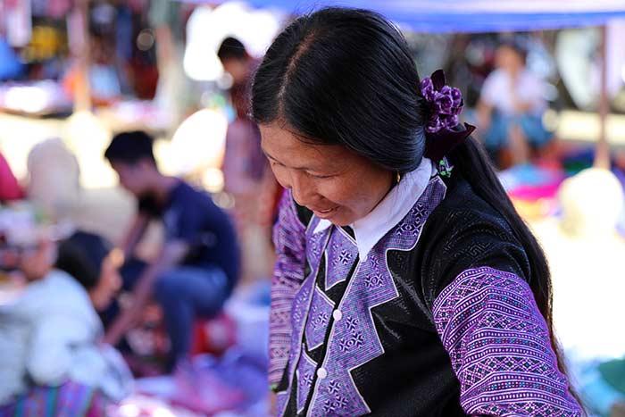 Pobladora en el mercado de Pa Co Mai Chau Vietnam