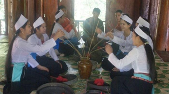 Alcohol de arroz con sorbete en Nho Quan Ninh Bien