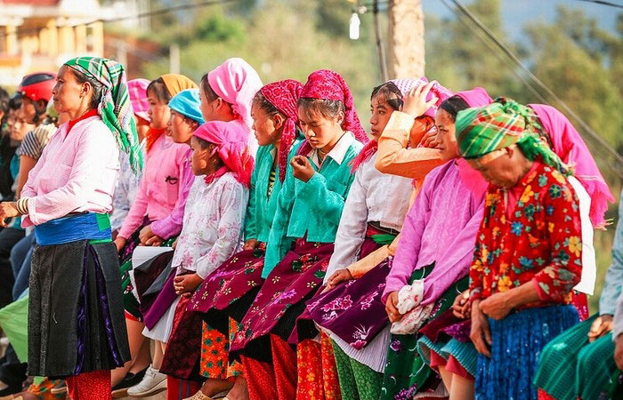 Costumbres etnicas en el mercado de Ha Giang