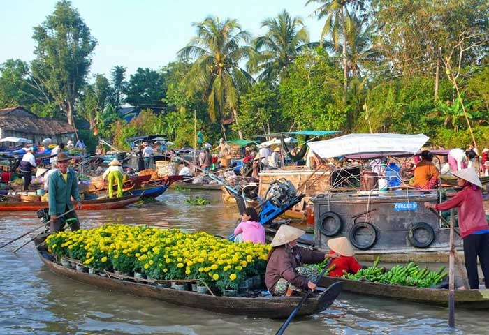 Mercado flotante de Phung Hiep en el Mekong