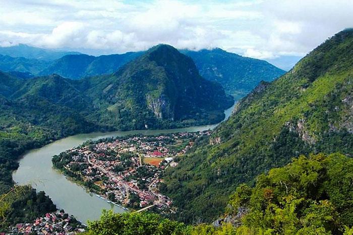 Mirador de Muang Ngoi en Laos