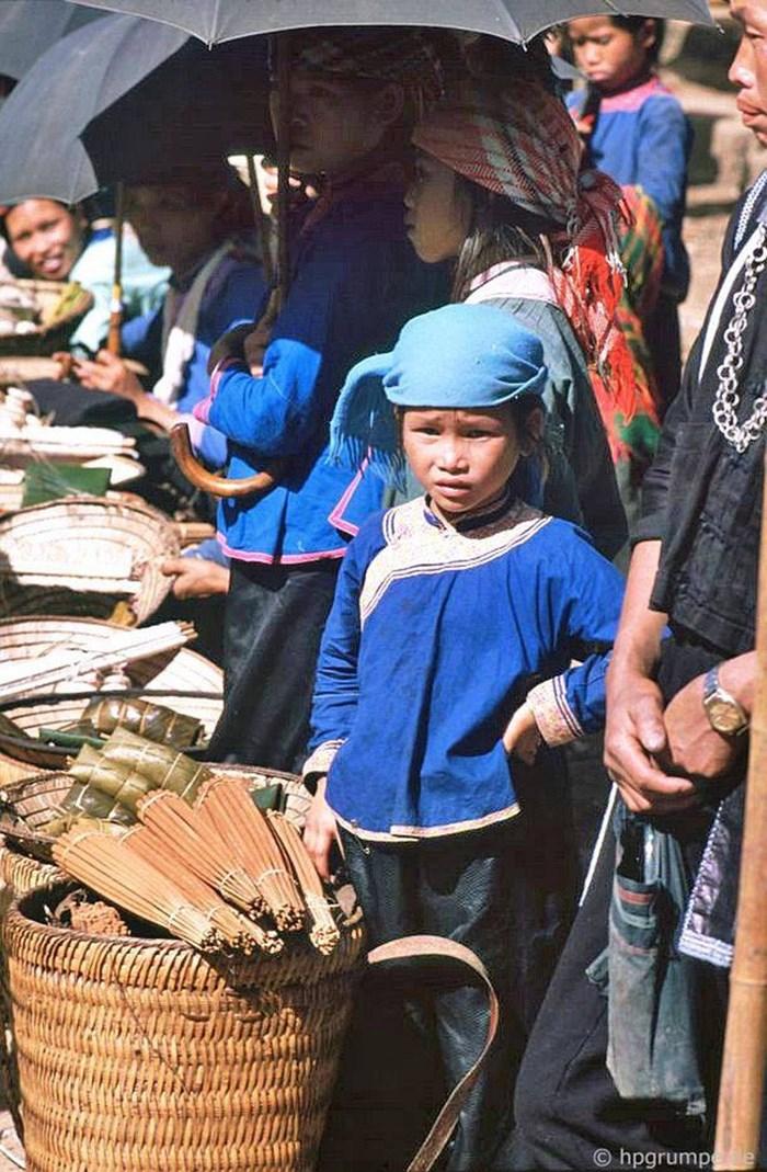 Una niña de la etnia Giay en Sapa
