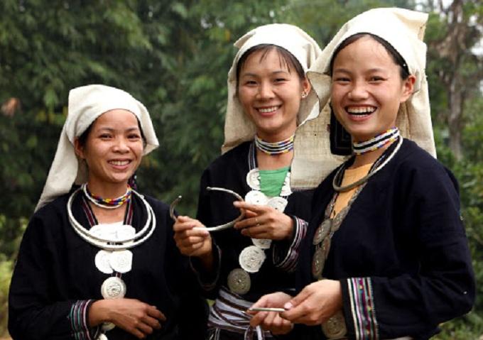 Mujeres de la etnia Lam Binh