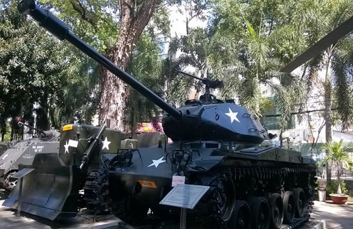 Tanque en el museo de guerra de Vietnam Ho Chi Minh