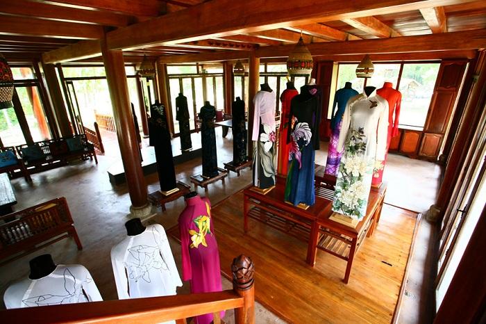 Colección en el Museo Ao Dai en Ho Chi Minh