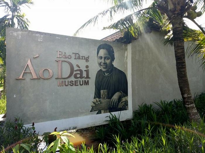 Entrada al Museo Ao Dai en Ho Chi Minh