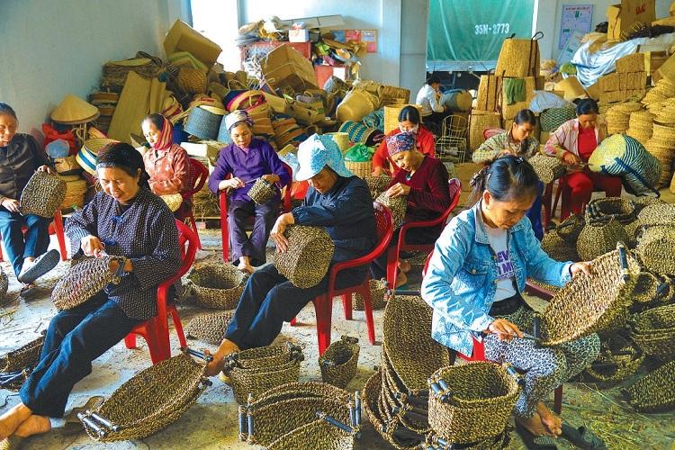 Pueblo artesanal en ninh binh guia de viajes
