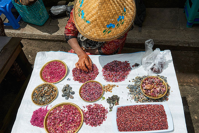 Mogok valle de rubies en Myanmar