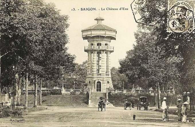 Antiguo lago tortuga en Saigon