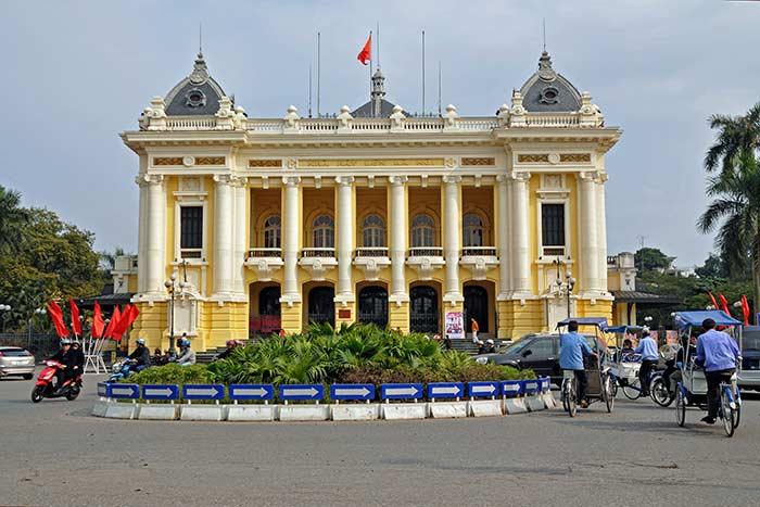 La opera de hanoi visita en vietnam
