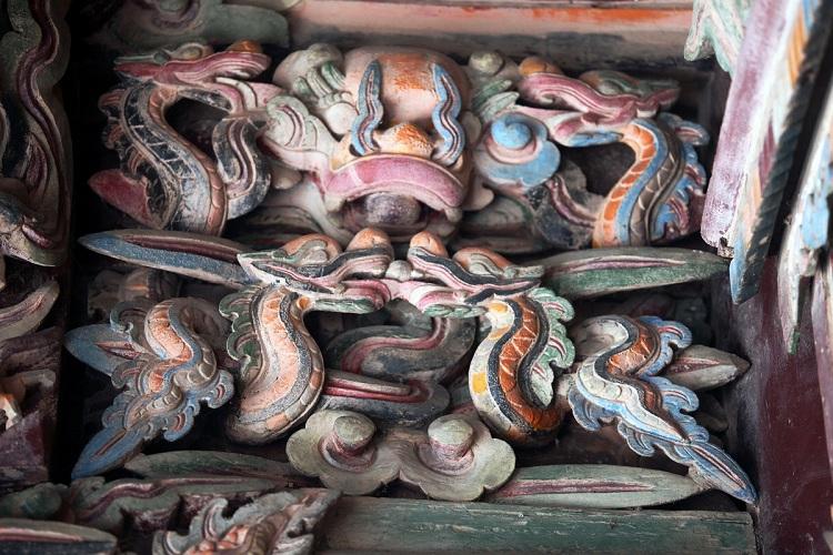 Ornamento en el templo del rey DInh en Hoa Lu