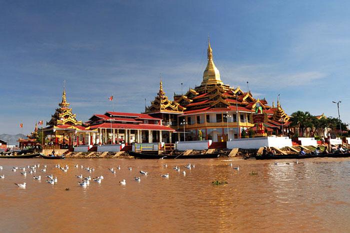 Pagoda Phaung Daw Oo Paya en el Phaung Daw Oo Paya