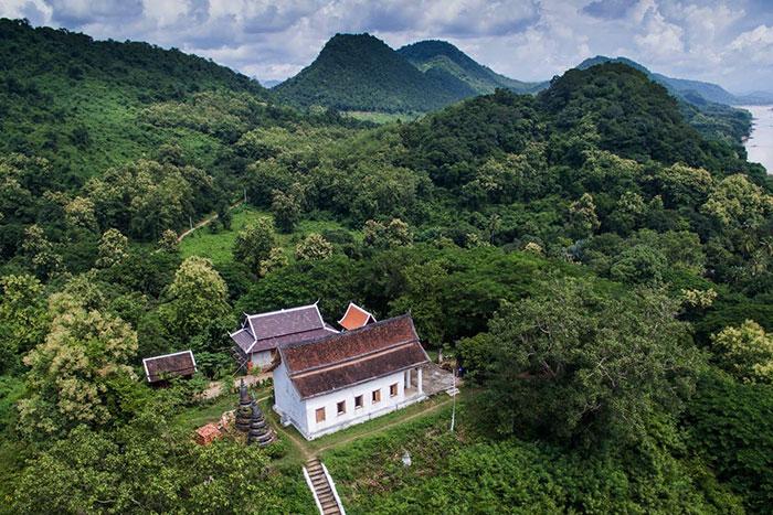 Pagoda de Wat Long Khun en Chomphet Laos
