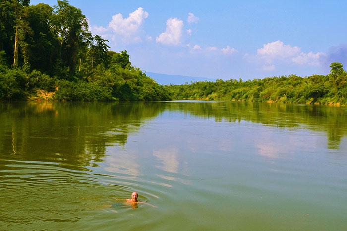 Actividad acuatica en el Parque Nacional Phong Nha Ke Bang