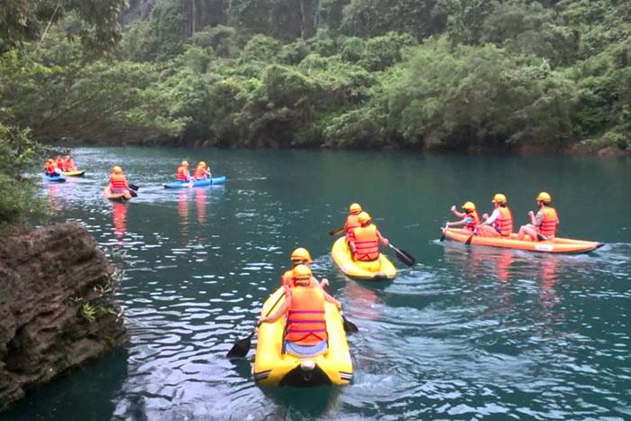 Kayak en el Parque Nacional Phong Nha Ke Bang