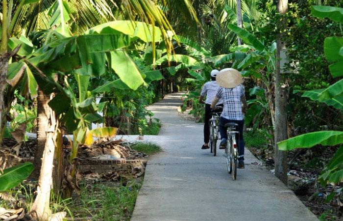 Paseo en bicicleta en la ciudad imperial de Hue