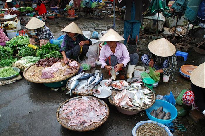 Mercado de pescados Dong Ba en Hue
