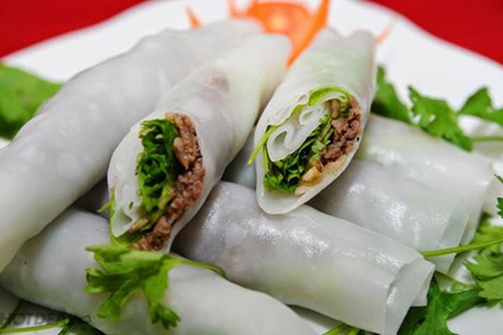 El pho cuon plato tipico de hanoi