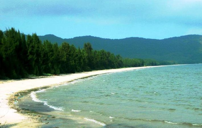 Playa de Ngoc Vung en la Bahia de Halong