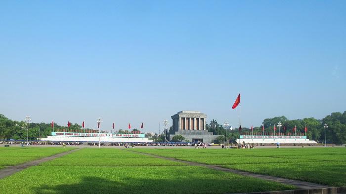 Mausoleo Ho Chi Minh en la Plaza Ba Dinh en Hanoi