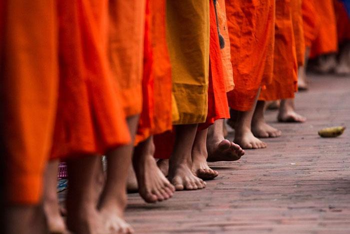 Procesion de Tak Bat en Luang Prabang