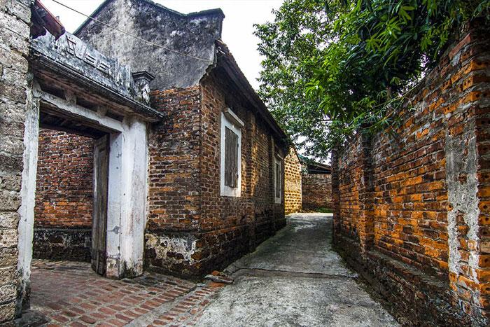 Casa en laterita en el pueblo de Duong Lam en Hanoi