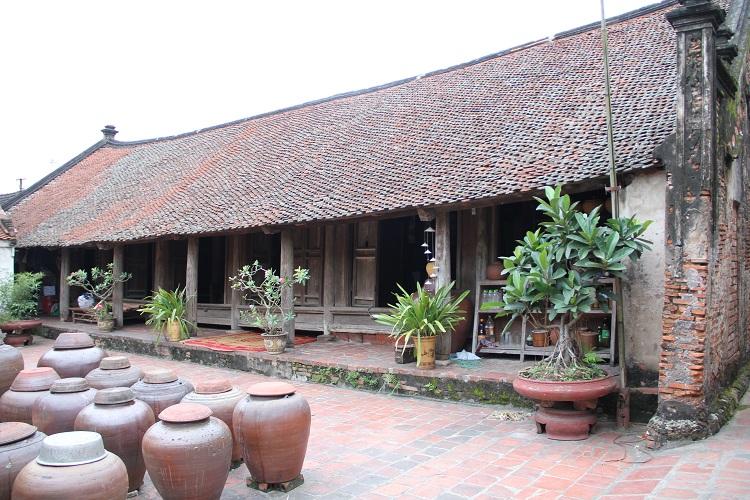 Vasijas de soya en el pueblo de Duong Lam
